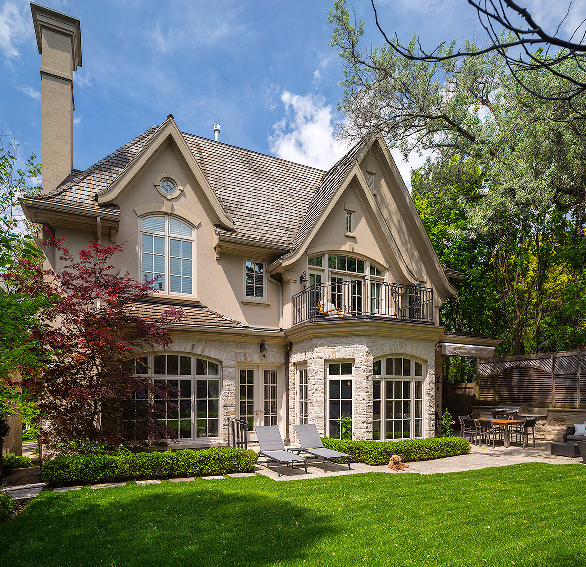 Custom Home Tudor Style(31) - Makow Architects