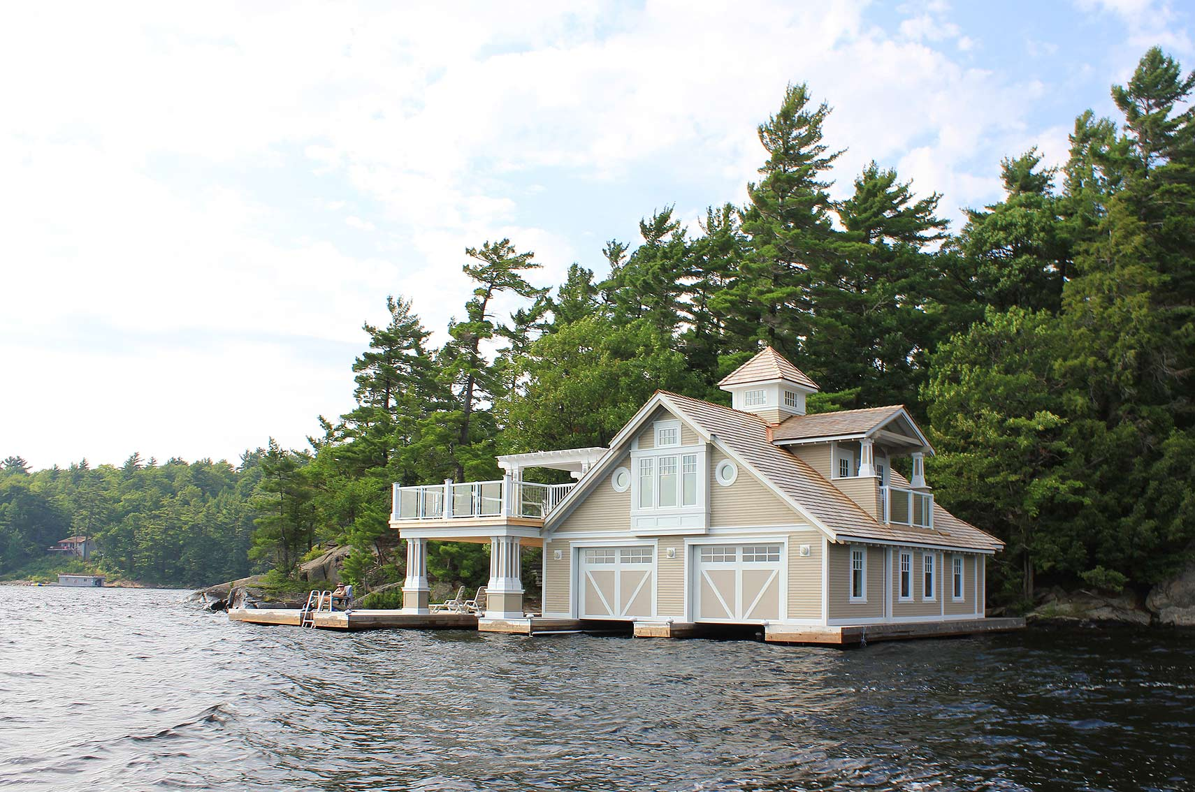 Lake Muskoka Boathouse (3) - Ontario Cottage and Vacation Home